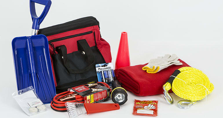 Build an emergency car kit [infographic]