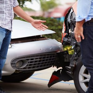 What to do in a car collision event: a checklist step-by-step